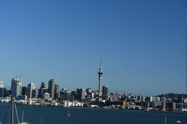 NEW ZEALAND: AREOTA (LAND OF WHITE CLOUDS)